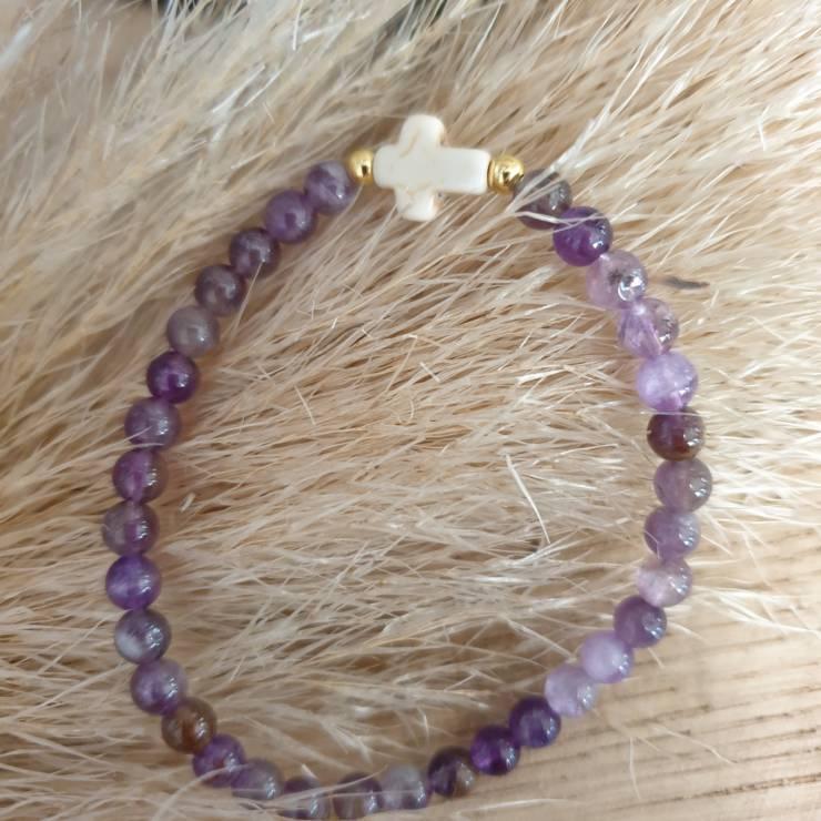 Bracelet pierres naturelles améthyste et croix naturelle