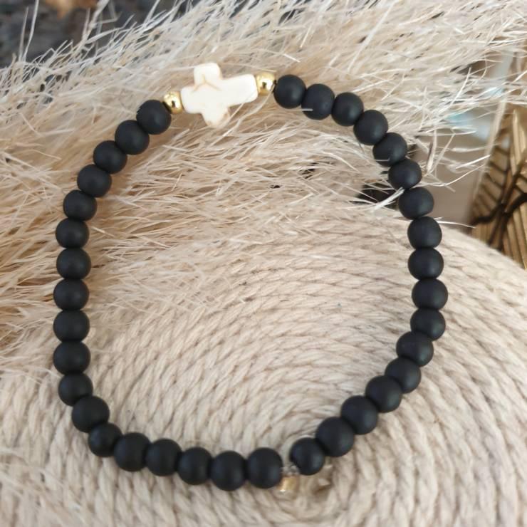 Bracelet pierres naturelles onyx noire et croix naturelle